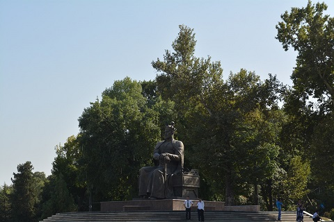 Amir Timur statue in the town centre