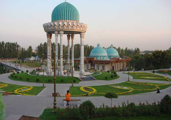 Tashkent Park, we were too busy mucking around with the car so hardly did any sight seeing. Therefore this pic is courtesy of google.)