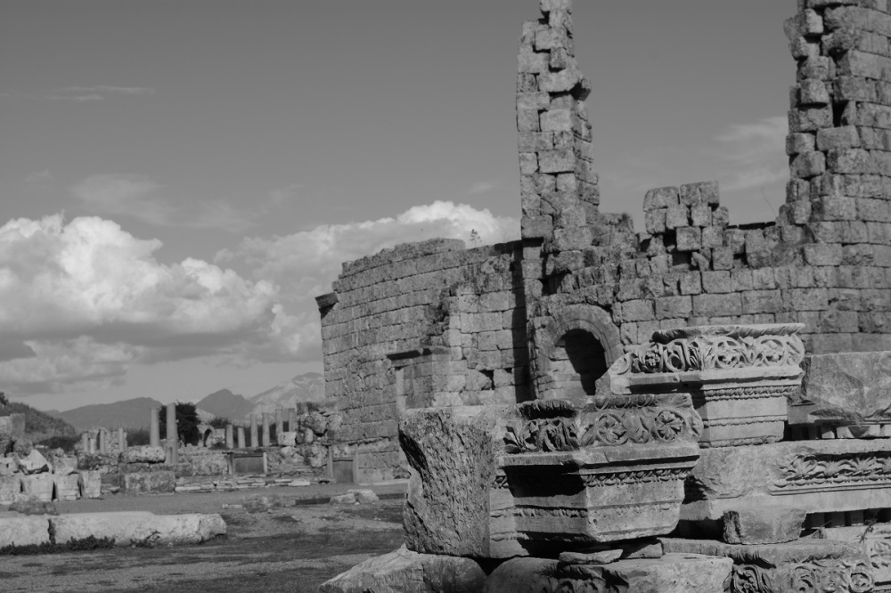 Corinthian stonework